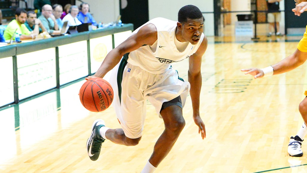 Smith Scores 27 in Men's Hoops Loss at North Florida